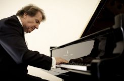 Buchbinderovi je sedmdesát a Vídeňští filharmonikové slaví!