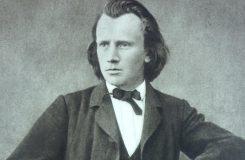 Kde Brahms promlouvá k srdci a ne k vůli. A naopak