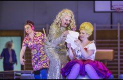 Kočka na scéně nosí smůlu aneb Poprask v opeře ve Stavovském divadle
