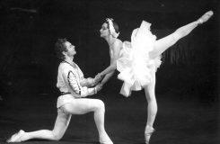 Jedna z hvězd poválečného baletu v Brně. K nedožitým devadesátinám Věry Avratové