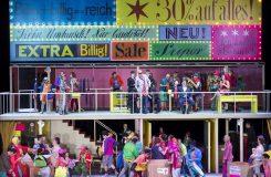 Operní Peer Gynt ve Vídni aneb Peter Konwitschny o marnosti lidského snažení