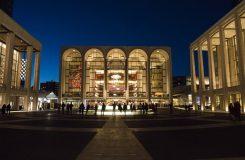 Newyorská Met oslavila 50 let své nové budovy v Lincolnově centru