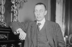 """""""Pozorovatel stojí. To je zřejmě Rachmaninov."""""""