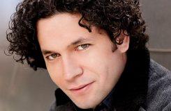 Dirigentská hvězda Gustavo Dudamel se přidal ke kritikům venezuelského prezidenta