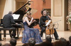 Svátek hudebního absolutna. Trio Lonquich, Frang, Altstaedt na Pražském jaru
