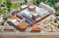 Nová budova Státní operety v Drážďanech a Figarova svatba v ní