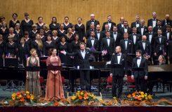 Pražský filharmonický sbor v Ostravě: emočně chladného Janáčka vystřídal orgastický Stravinskij