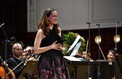 Kate Lindsey v neznámé kráse písní z Auvergne