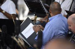 Fotoreportáž: Česká filharmonie na Hradčanském náměstí uzavírá sezonu, letos ve znamení jazzu