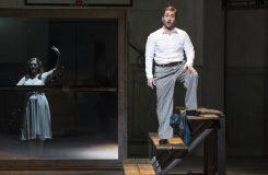 Němčina na Smetanovu hudbu dokonale pasuje! Richard Samek v premiéře Prodané nevěsty v Essenu