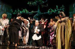 """""""Vše je jen hra"""". Opavská opera si originálně pohrála s pojetím Verdiho Falstaffa"""