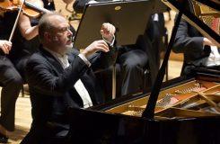 Nadpozemský Brahms v rukách Garricka Ohlssona