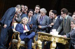 Strhující Rigoletto v Linci. S vybučenou režií, vévodou je Donald Trump