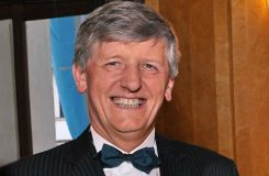 Zemřel bývalý ministr kultury, šéf České filharmonie a Opery ND, skladatel a pedagog Václav Riedlbauch