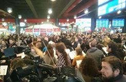 Stovky lidí poslouchaly Rybovu mši na pražském hlavním nádraží