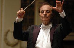 Royal Philharmonic přerušili spolupráci s 81letým dirigentem. Důvod? Sexuální násilí