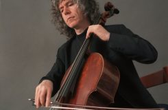 """Nahrávka britského violoncellisty, pořízená na """"zákopový"""" nástroj z 1. světové války"""