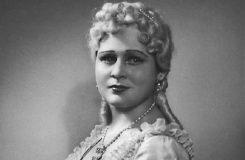 Nejdřív si vybrala odbornou školu pro ženská povolání, nakonec ale vyhrála opera