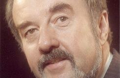 Žil jen pro zpěv. Slovensko se loučí s uznávaným barytonistou Pavlom Maurérym