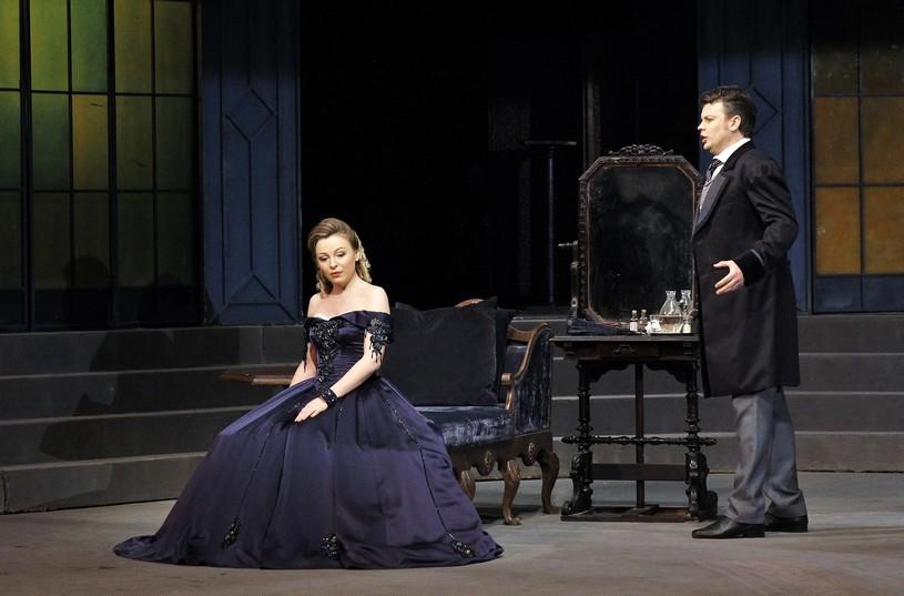 c6eb4b665 Giuseppe Verdi: La traviata – Julia Novikova na javisku s manželom Dmytrom  Popovom (zdroj archív Julie Novikovej)