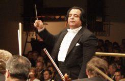 Zabavená dirigentská taktovka a další aktuality ze světa klasické hudby