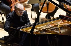 Jak osobitá hra Martina Kasíka překonala vrcholky Brucknerových velehor