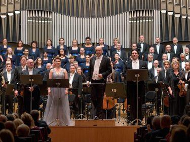 Kněžíková, Ludha, Plachetka: Dvořákovy Svatební košile ve Slovenské filharmonii