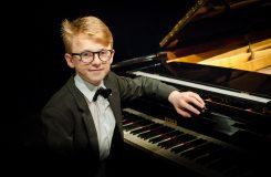 Patnáctiletý klavírista Jan Čmejla slavil úspěchy v New Yorku a ve Washingtonu