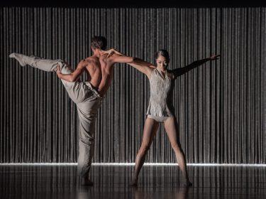 Balet Národního divadla: Mosty času v novém hávu a Sametové baletní gala